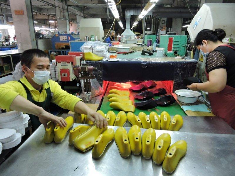 ▲ 洪宋鴻認為,到位的管理方式及獨家商業技術,是許多傳產的優勢(圖片來源:FMshoes)